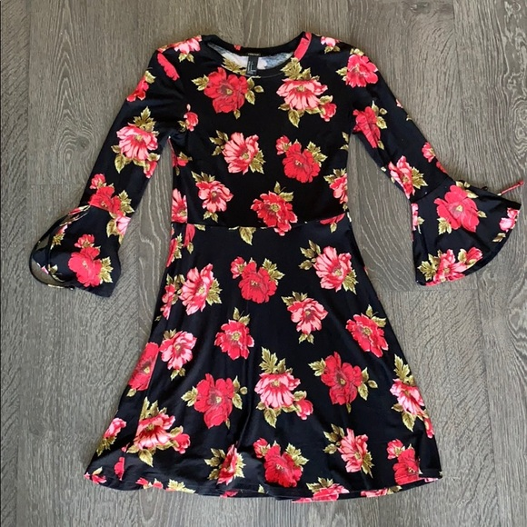 Forever 21 Floral Dress - Size Small